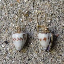 Boucles d oreilles coquillage gris marbré et blanc