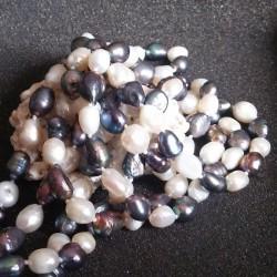 Sautoir perles blanches et bleues nouées lac Biwa 1 rang 160cm