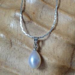 Collier pendentif perle blanche goutte 7mm eau douce Lac Biwa
