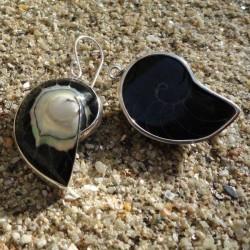 Boucles d oreilles nacre nautile noire